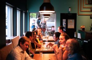 restaurant-690975_by-FreePhotos_pixabay_lizenz_cc0